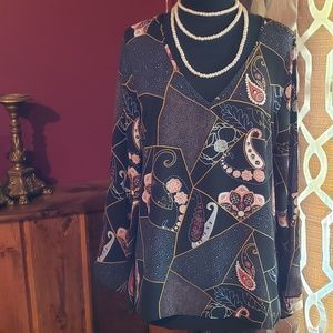 Violet & Claire blouse with bell sleeves.  Size xl